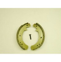 BRAKE SHOES HAND BRAKE LT230 95 ON~              ICW500010