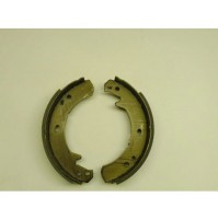 BRAKE SHOES HAND BRAKE LT230 95 ON~            ICW500010G